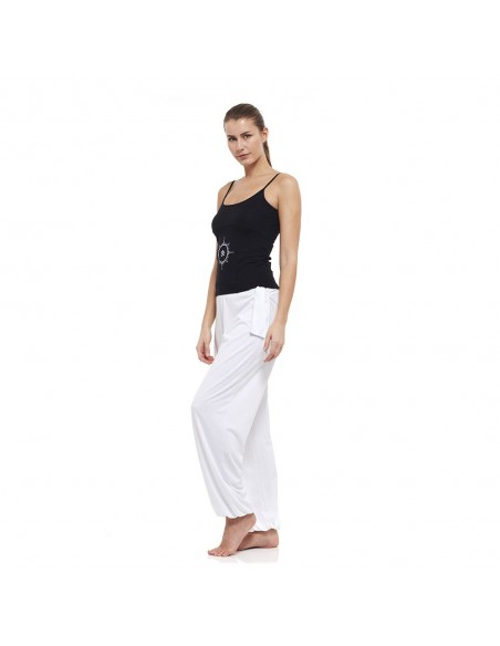 Outfit: young yoga top (black) + harem pants (white)