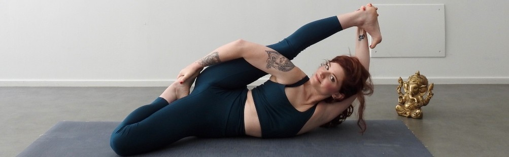 Girlfriend Collective Yoga: Leggings e Top in Tessuto Tecnico